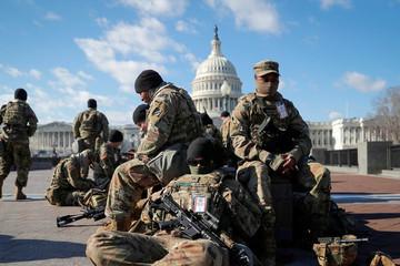 Lính Vệ binh Mỹ 'ăn không đủ no' khi bảo vệ Điện Capitol