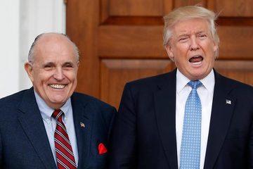 Luật sư của cựu TT Trump bị kiện 1,3 tỉ USD