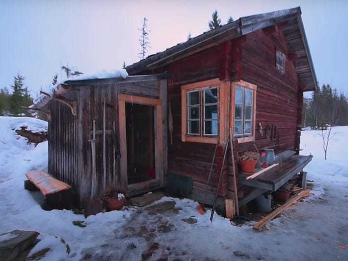 Hé lộ cuộc sống nơi không có điện và nước máy ở Thụy Điển