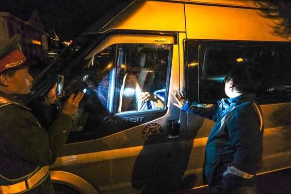 Lâm Đồng: Tài xế cố thủ trong xe bị xử phạt 44 triệu đồng