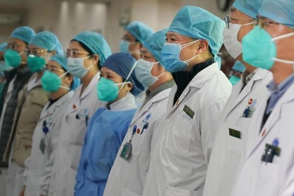 Bác sĩ Trung Quốc nguy kịch do bị tấn công bằng dao
