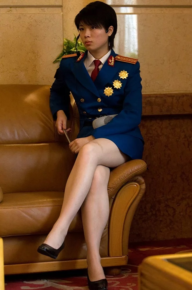 Vẻ đẹp mang 'chất thép' của các nữ quân nhân trên khắp thế giới