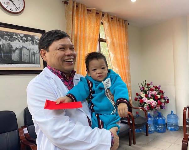 Xúc động cuộc 'viếng thăm' của sản phụ ung thư giai đoạn cuối quyết giữ con Nguyễn Thị Liên