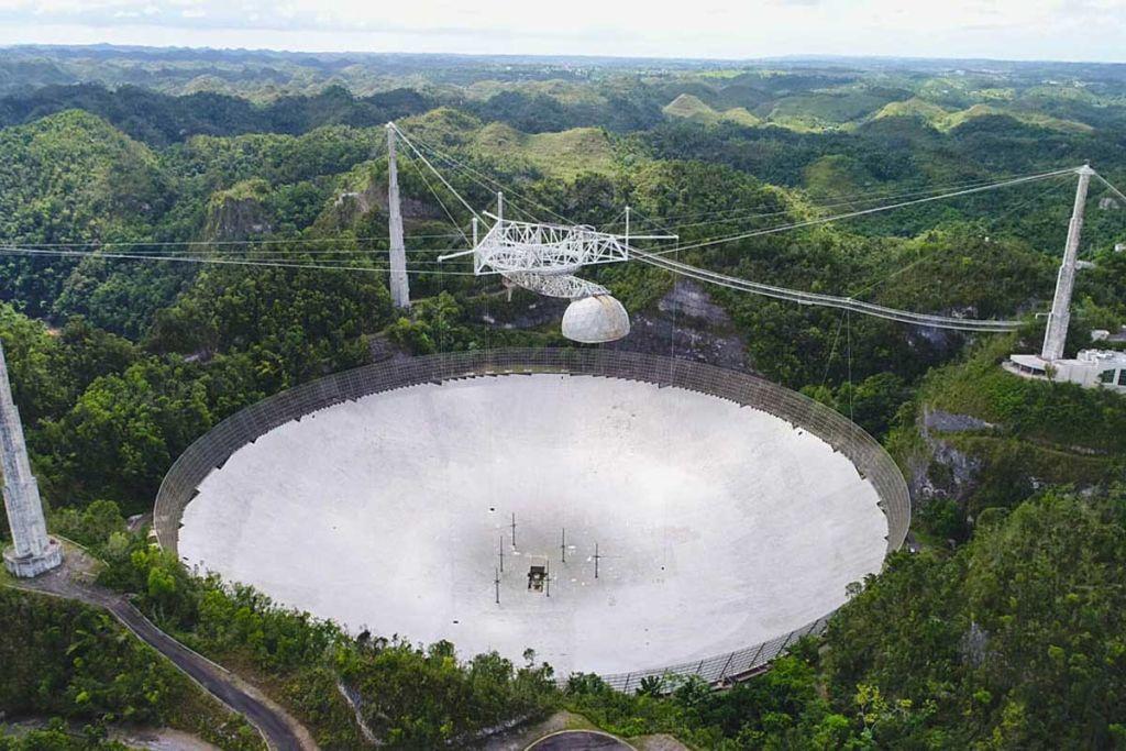Lý do bất ngờ khiến kính viễn vọng săn người ngoài hành tinh nổi tiếng bị sập