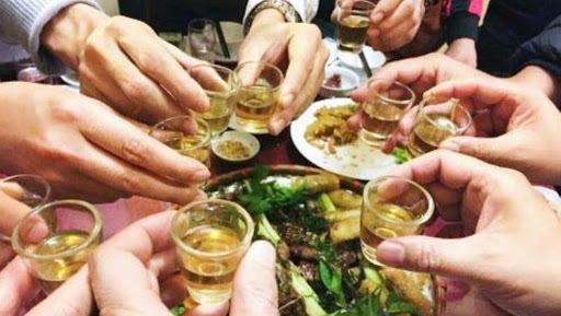 Dịch Covid-19 ở Hà Nội phức tạp, hãy gác lại tiệc tùng cuối năm