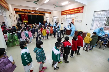Hà Nội: Một phụ huynh dương tính, trường THCS Dịch Vọng sẵn sàng thành khu cách ly