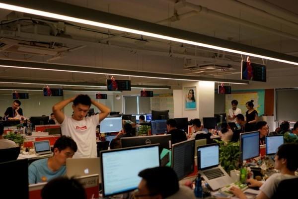 Đuổi việc nhân viên vì về quê lo đám tang cha, công ty Trung Quốc phải bồi thường