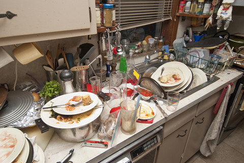 Ăn Tết nhà chồng tôi chưa từng phải rửa bát, năm nào cũng xúng xính váy áo đi chơi
