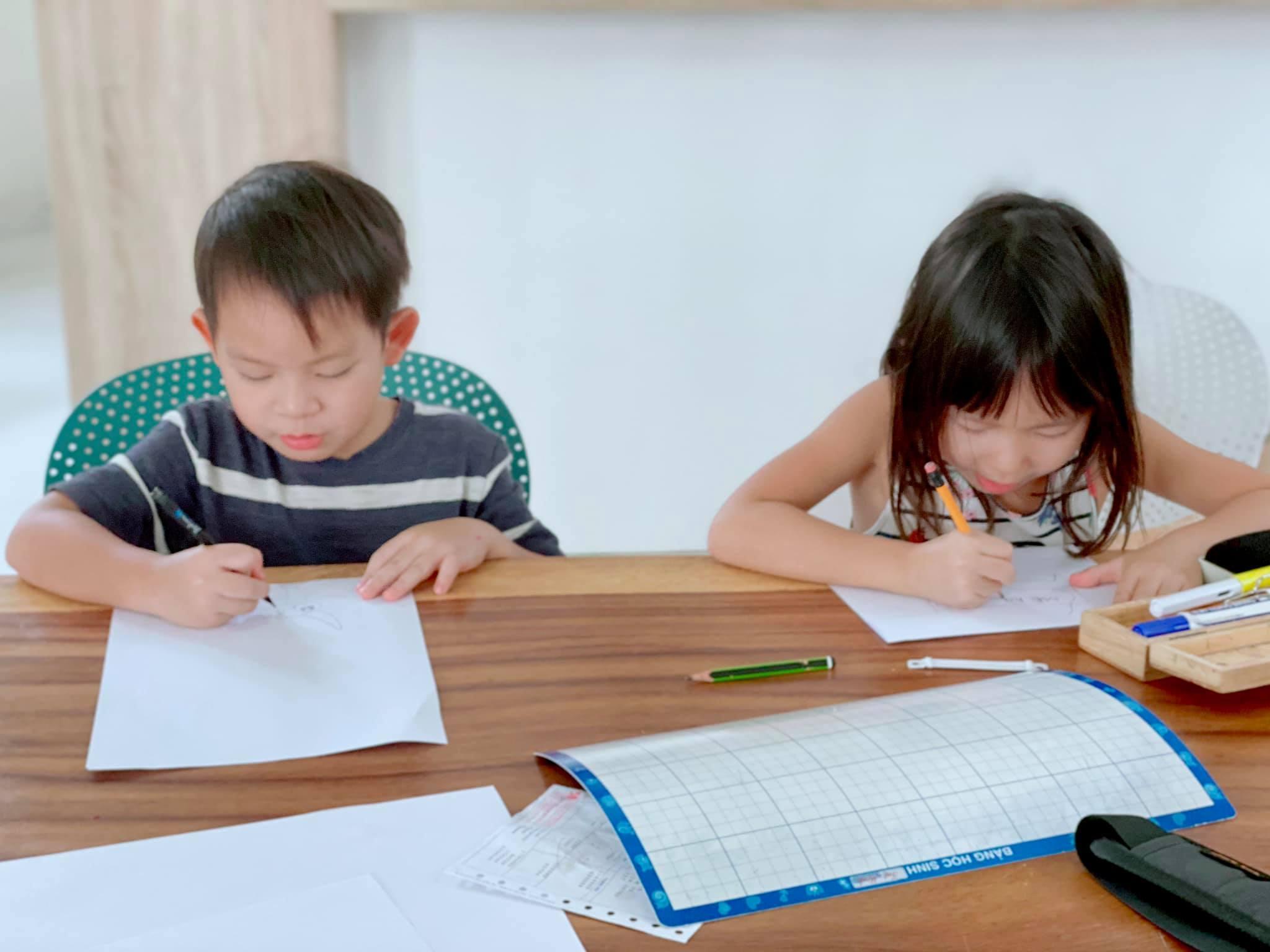 Nhìn việc 4 con nhà Lý Hải - Minh Hà làm ngày đầu nghỉ Tết đã thấy cách nuôi dạy khoa học