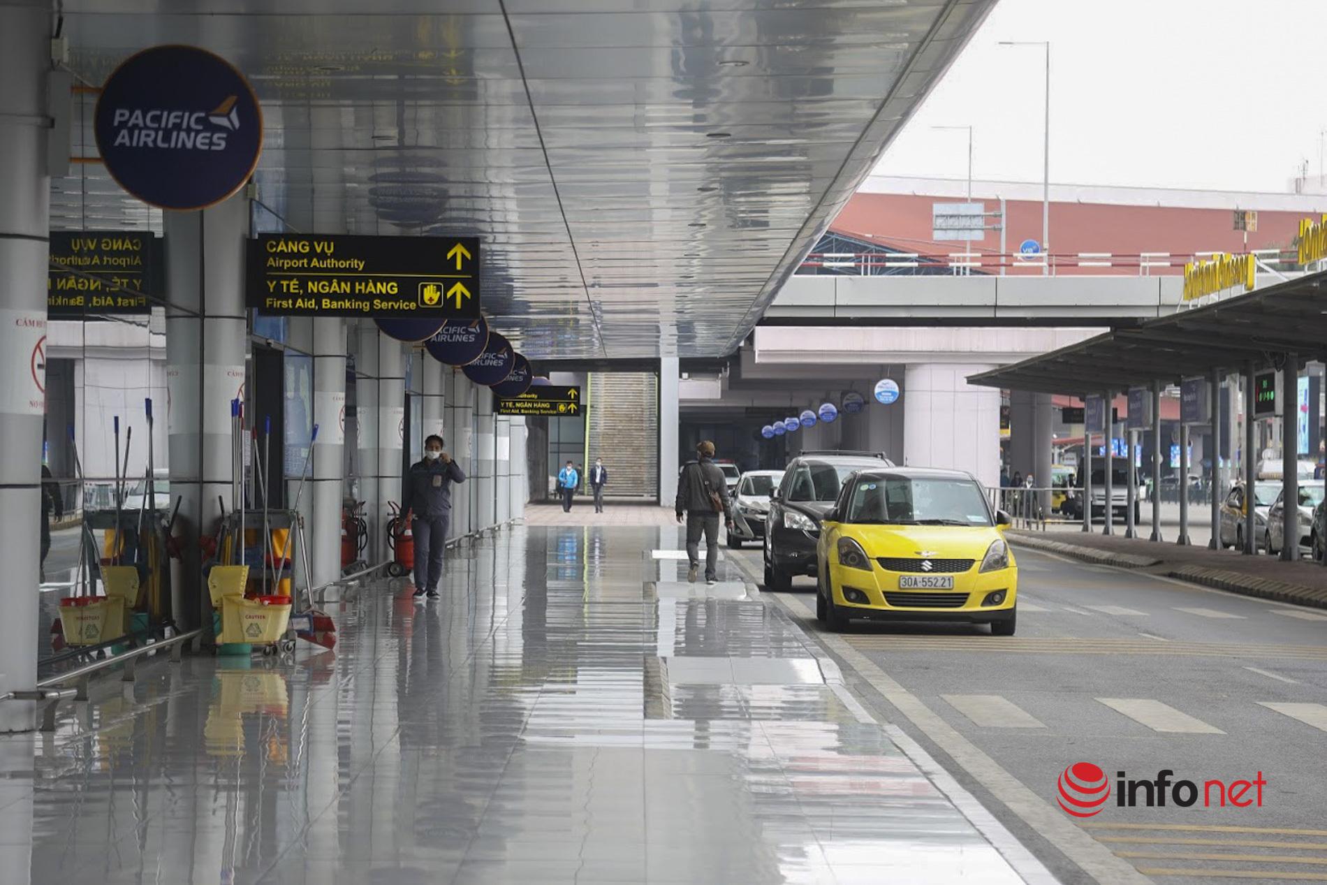 Hơn 20% khách hủy chuyến, sân bay Nội Bài đìu hiu, nhiều xe bus vào nội thành trống không