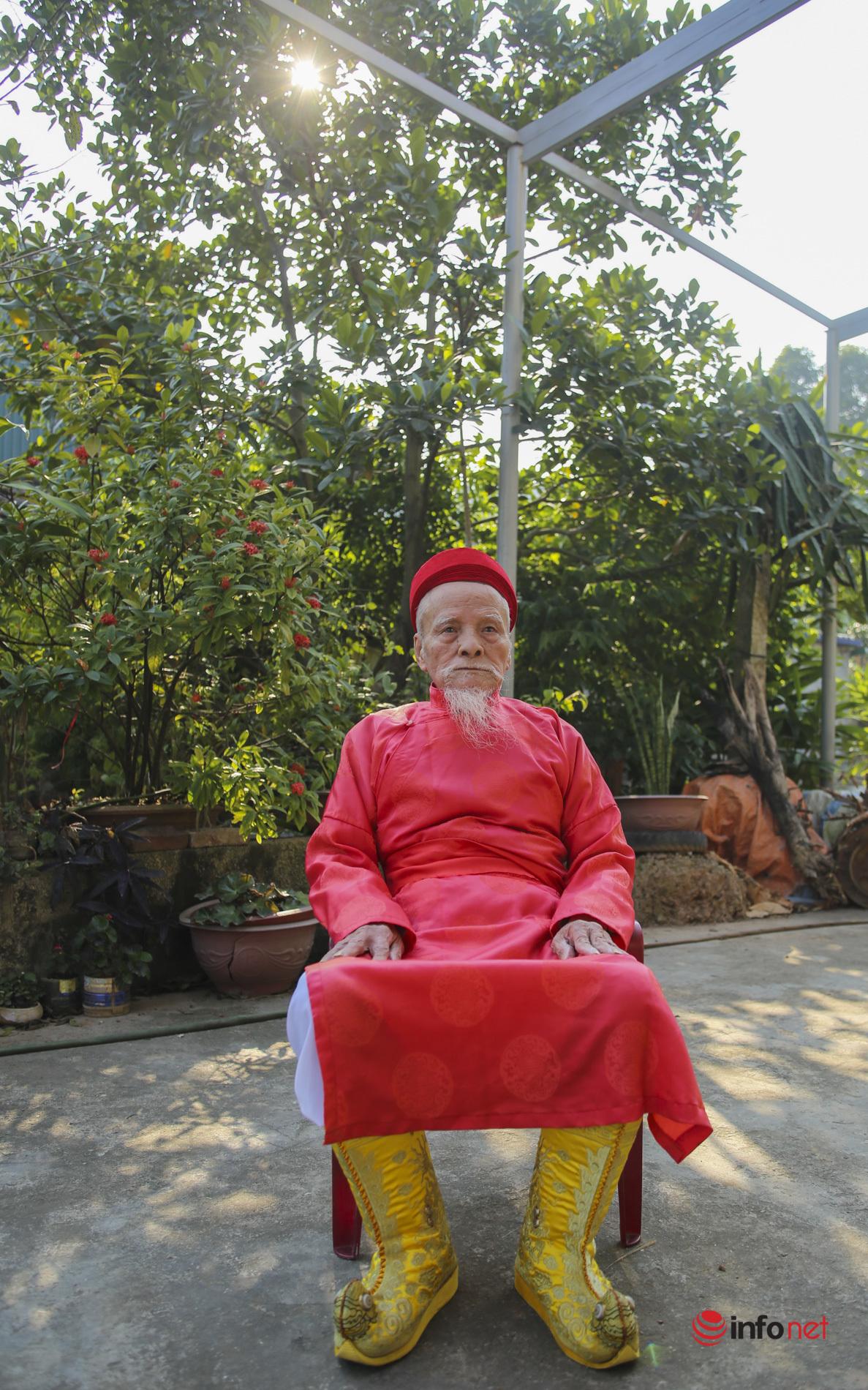 Gặp ông lão 9 lần mặc Long bào, đóng vua đi cày ở Lễ tịch điền