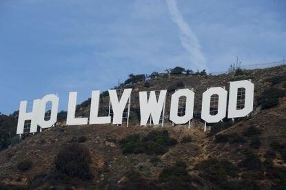 Hi hữu: Biểu tượng Hollywood nổi tiếng bị trộm đổi chữ