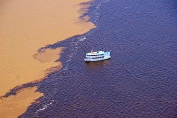 Điều đặc biệt ở nơi hai dòng sông gặp nhau, nước không hòa lẫn