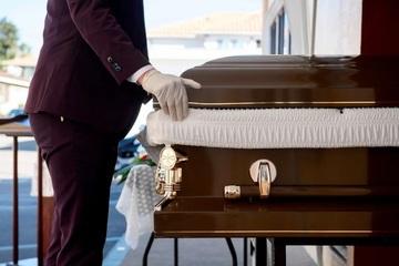 Nhà tang lễ quên mai táng cho ông lão 66 tuổi suốt 2 tháng