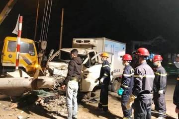 Nghệ An: Xe tải va chạm xe máy, 3 người tử vong