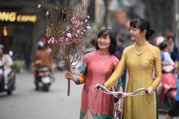 """Bộ ảnh áo dài xuân của cô gái Hà Nội gợi nhớ Tết yên bình được dân mạng """"like"""" nhiệt tình"""