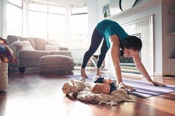 Phòng dịch Covid-19, tập thể dục ở nhà mà không nhàm chán, tránh được các tai nạn có thể xảy ra