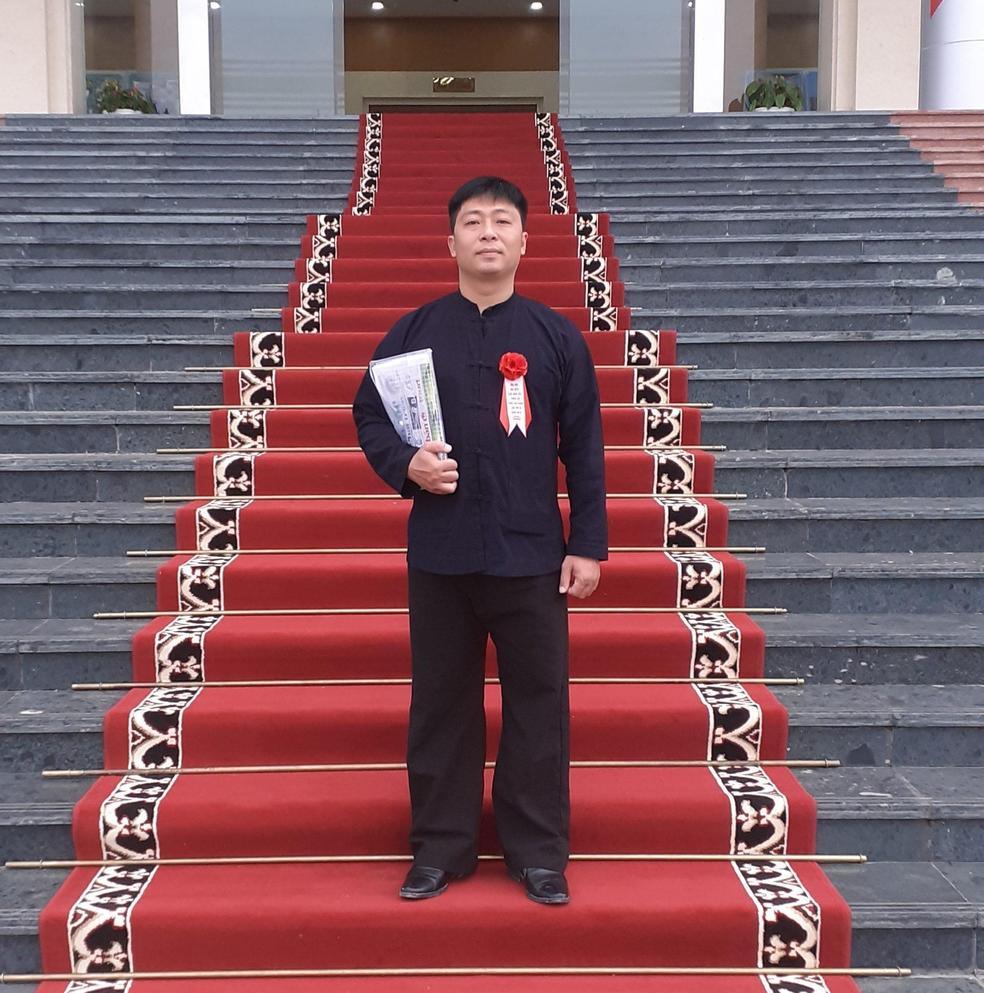 Mùa xuânkể chuyệnthanh xuân của thầy Huấn ở Cao Bằng