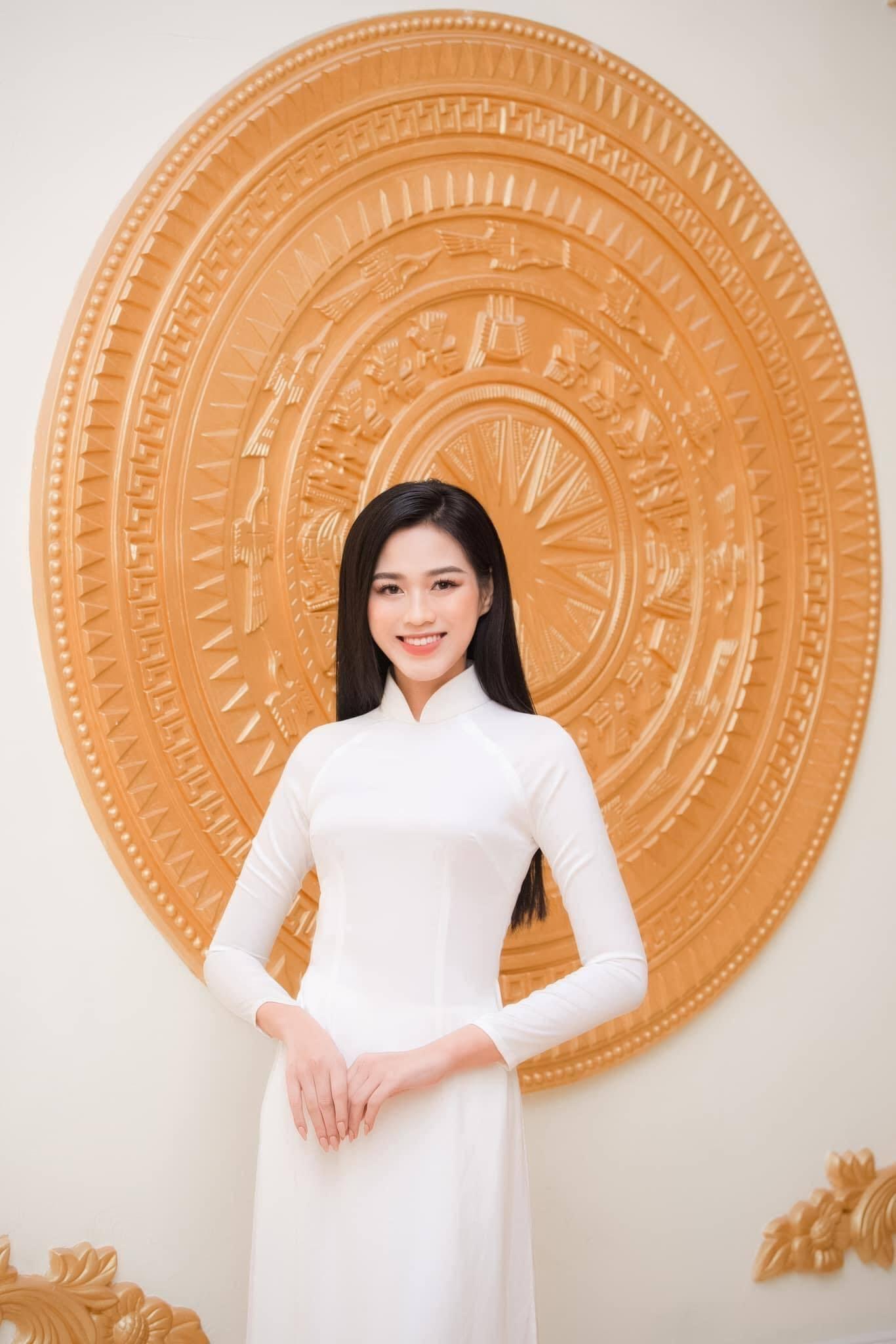 Hoa hậu Đỗ Thị Hà đón Tết quê nhà với khu vườn mộc mạc cái gì cũng có