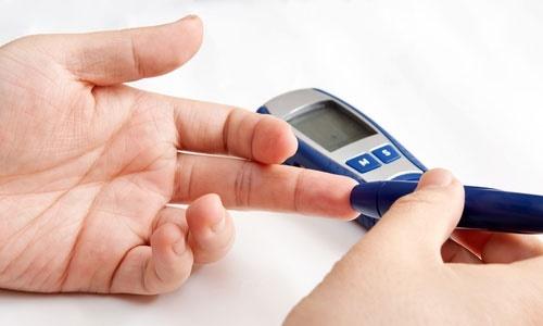 Cấp cứu hạ đường huyết chỉ vì mải mê lo Tết