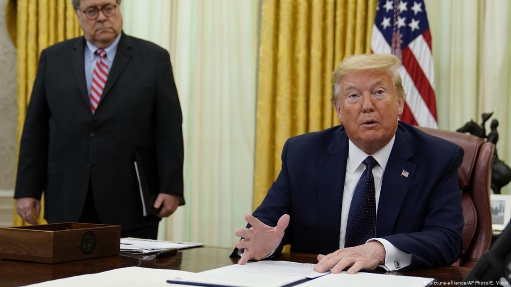 Bộ Tư pháp Mỹ 'mạnh tay' với các công tố viên được ông Trump bổ nhiệm