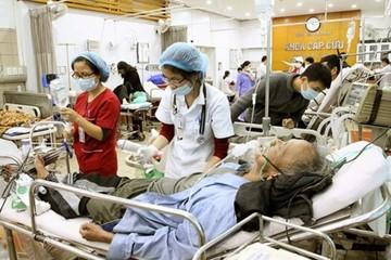 Giao thừa của bác sĩ gắn với bệnh viện