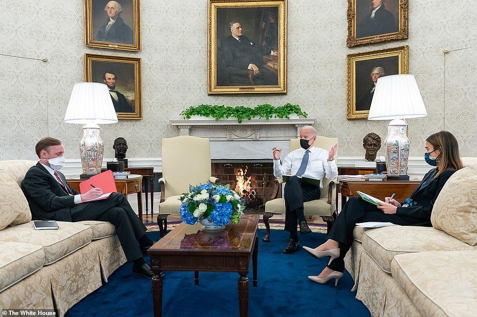 Nhà Trắng bất ngờ tung loạt ảnh cuộc sống của ông Biden