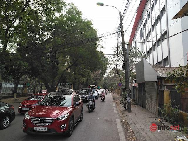 Hà Nội: Chen chúc đi lễ đầu năm, nhiều tuyến phố tắc nghẽn
