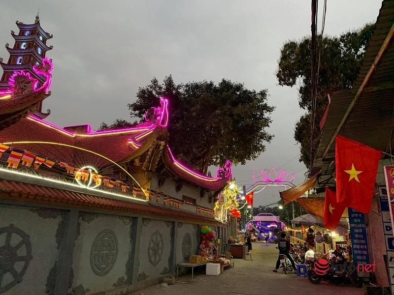 Hà Nội vắng tanh, cao tốc Pháp Vân - Cầu Giẽ tắc dài