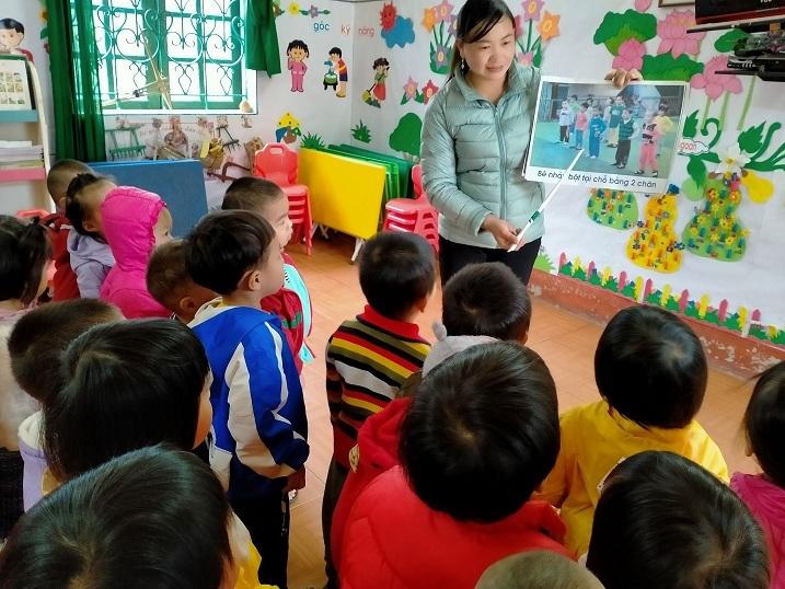 Mùng 3 Tết thầy: Xúc động hành trình gieo chữ của cô giáo người Mông
