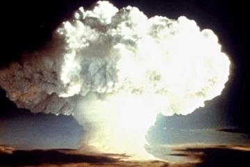Báo Thụy Sĩ: Thế giới cần kiềm chế chạy đua vũ khí hạt nhân