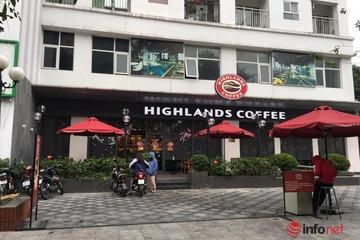 """Quán cà phê ở Hà Nội mở """"hấp háy"""", cửa đóng cửa mở sau lệnh cấm"""