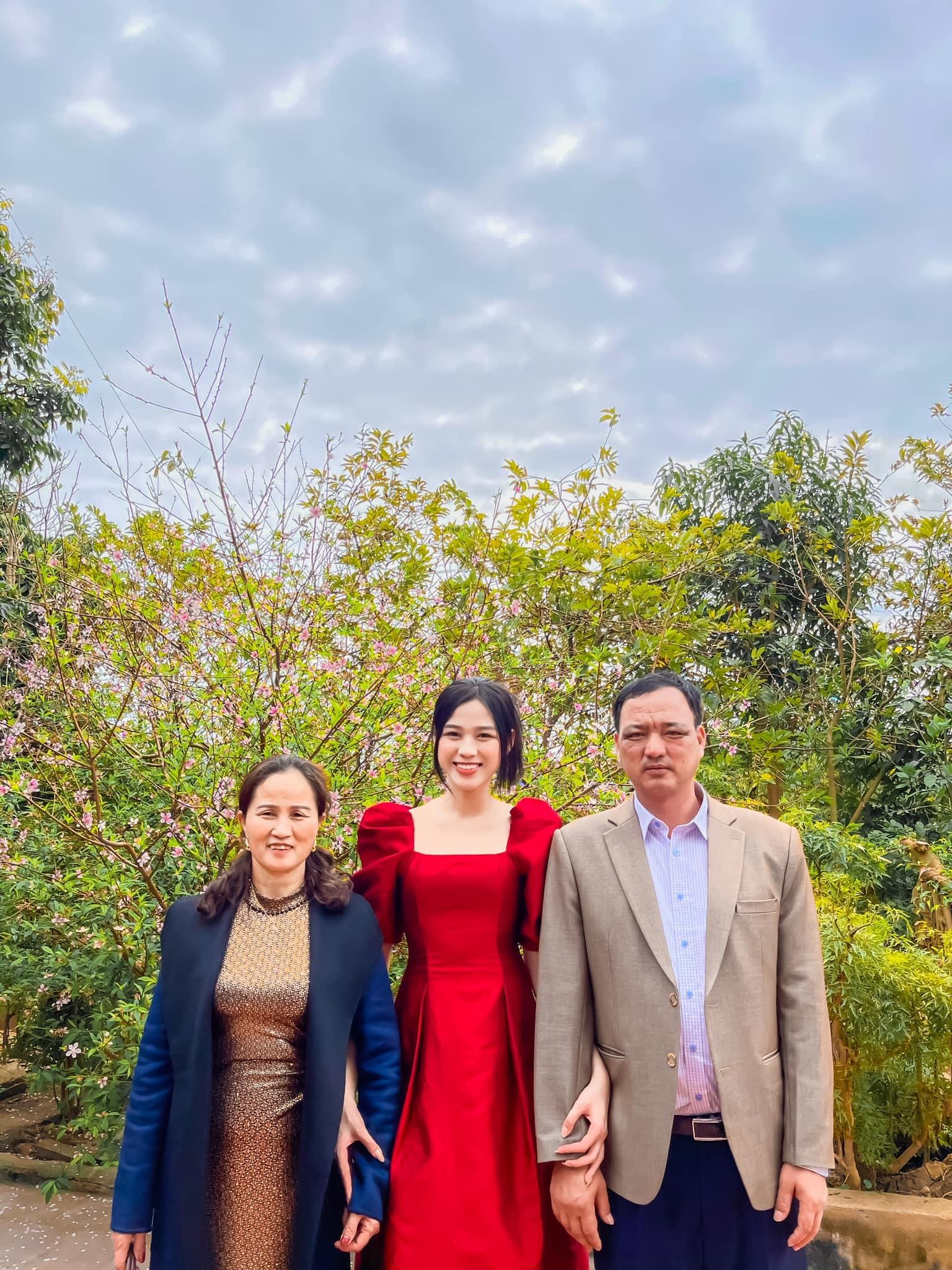 Hoa hậu Đỗ Thị Hà: 'Nên trải qua nhiều mối tình trước khi kết hôn'