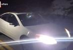 Thoát chết trong tích tắc khi đang lái xe đi ngắm cảnh với bạn gái