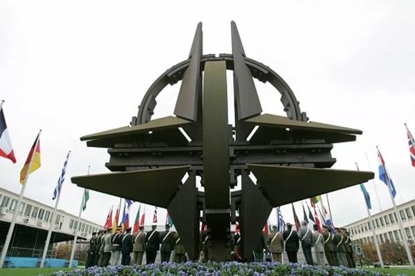 Liên minh châu Âu và Mỹ tuyên bố cần củng cố NATO