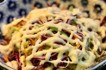 Cách làm salad bắp cải trộn sốt mayonnaise thanh đạm