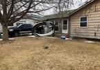 Vỏ động cơ Boeing 777 đang bay rơi xuống khu dân cư ở Colorado