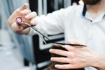 Thợ làm tóc người Đức gây quỹ từ thiện bằng phương pháp 'lạ'