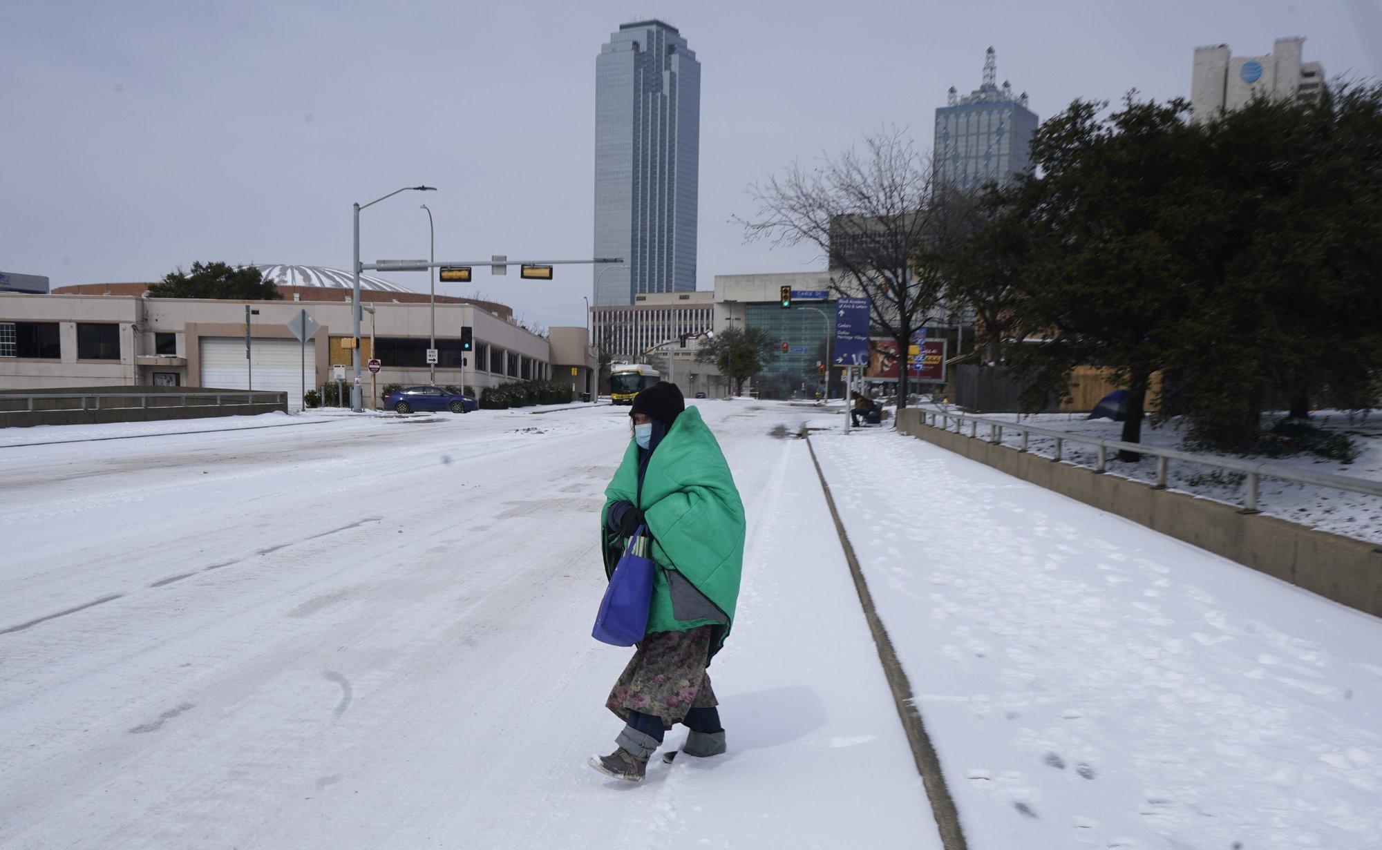 Nhà máy ngừng hoạt động, người dân Texas gồng mình chống chọi thời tiết khắc nghiệt