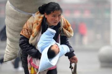 Người mẹ trẻ đổi đời sau bức ảnh chấn động 11 năm trước