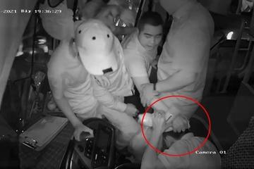 """Vụ đánh tài xế vì """"giành khách"""" ở Quảng Nam: Nạn nhân từ chối giám định thương tích"""