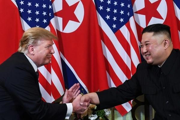 Chuyện giờ mới tiết lộ trong lần gặp thứ 2 của cựu TT Trump và ông Kim Jong-un