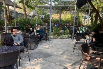 Hà Nội: Tranh cãi chuyện quán nhỏ đóng cửa phòng dịch, quán lớn mở cửa vợt khách
