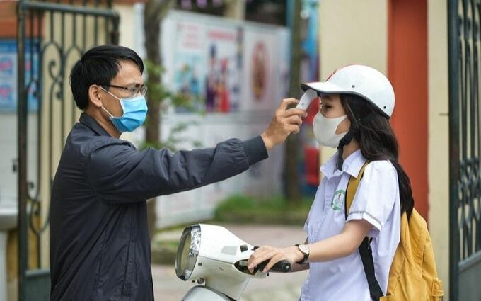 """Phụ huynh """"đếm từng ngày"""" khi nghe tin học sinh Hà Nội có thể trở lại trường đầu tháng 3"""