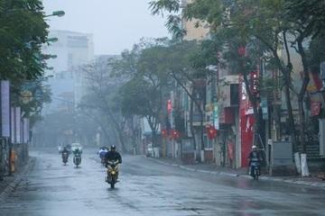 Hà Nội rét, mưa nhỏ ngày cuối tuần