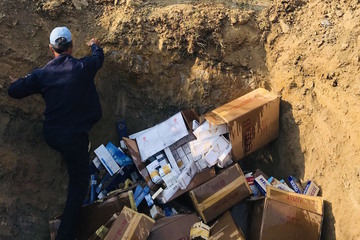 Phú Yên tiêu hủy 11.410 bao thuốc lá điếu nhập lậu