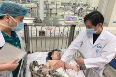 Cháu bé rơi từ tầng 12 bị trật khớp háng, không khó thở, tình trạng huyết động ổn định