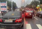 2 xe Mercedes cùng biển số 'vô tình gặp nhau' ở Hà Nội, Cục CSGT vào cuộc