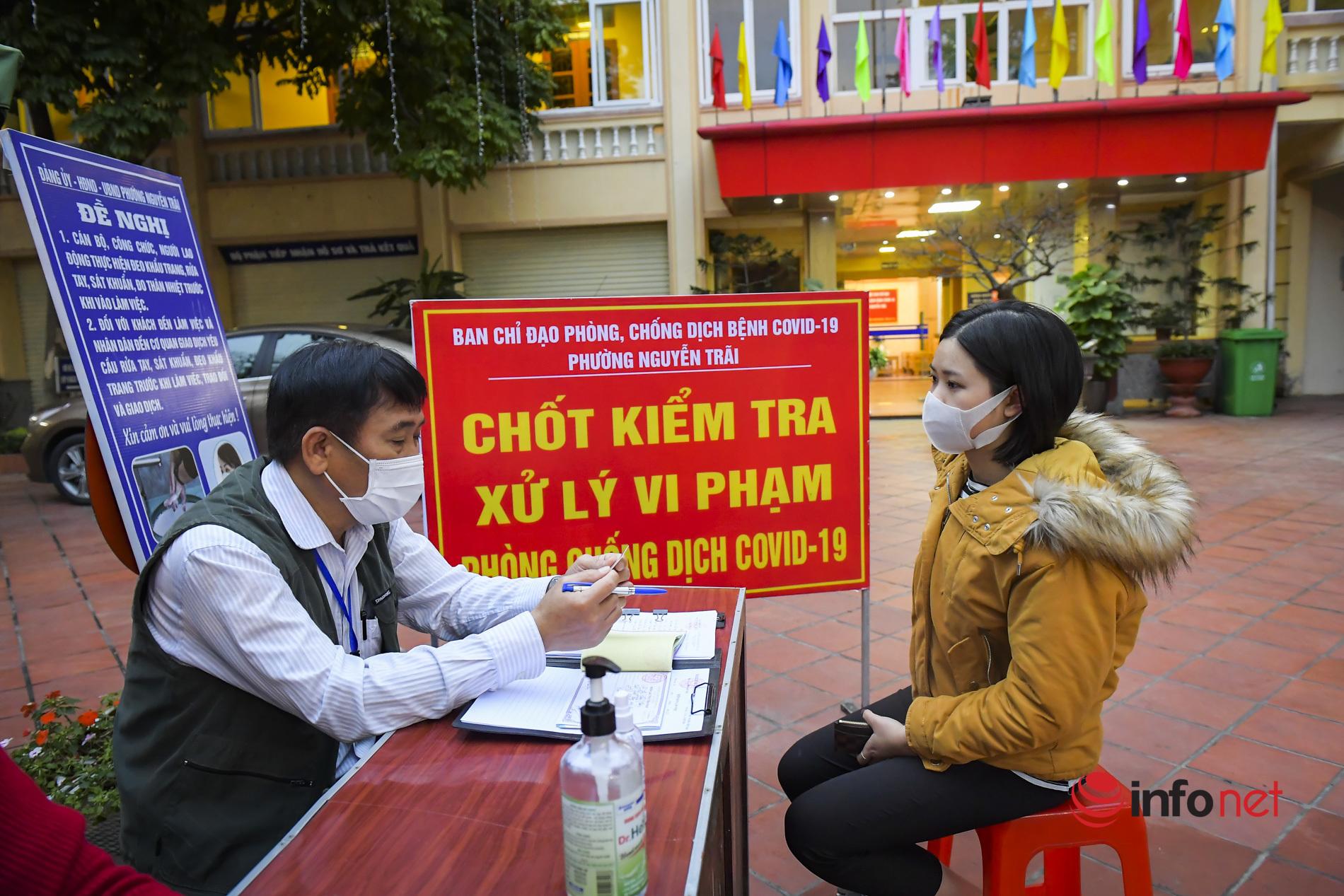 Đường phố Hải Dương vắng lặng trước giờ kết thúc cách ly xã hội