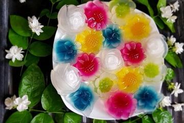 Quà 8/3 handmade ý nghĩa: Những bông hoa thạch vừa đẹp vừa ngon